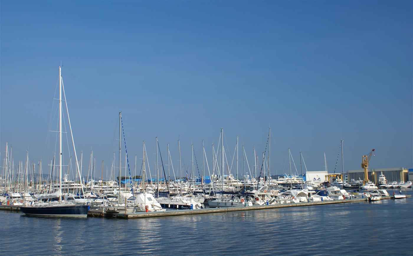 ..der Jachthafen..