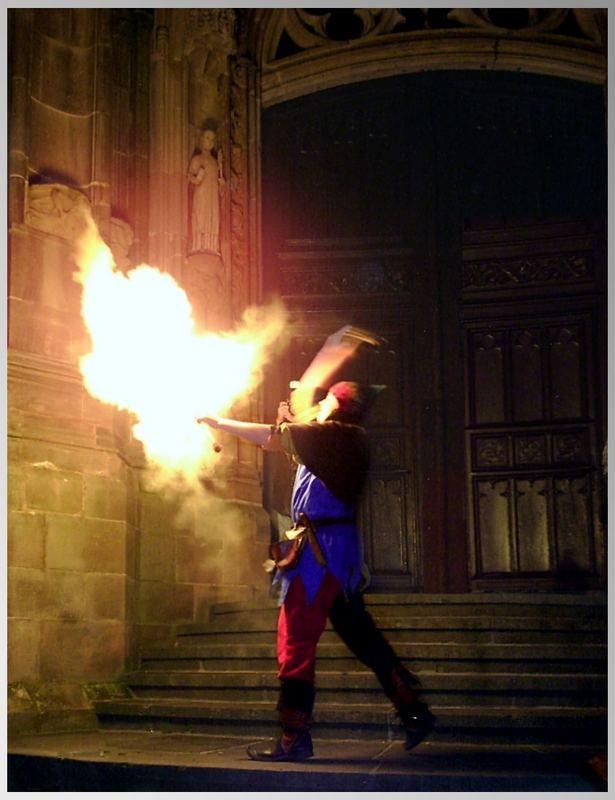 Der junge Bändiger des Feuergeistes