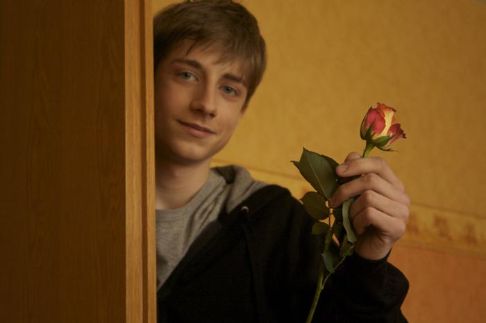 Der Junge mit der Rose