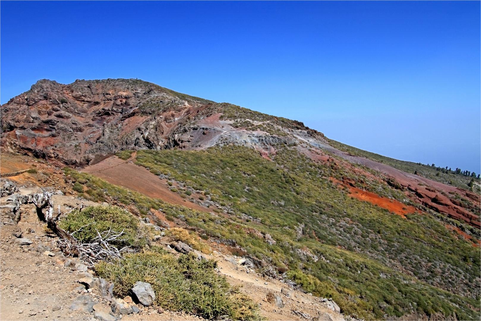 der Kammweg vom Pico de la Nieve zum Pico de la Cruz