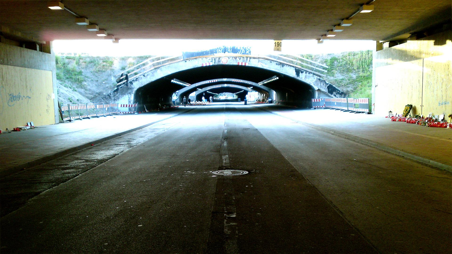 Der Karl-Lehr-Tunnel nach der Loveparade im August 2010