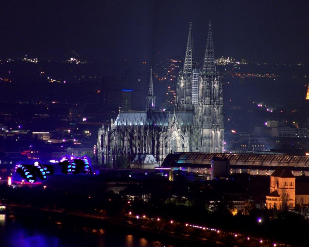 Der Kölner Dom bei Nacht
