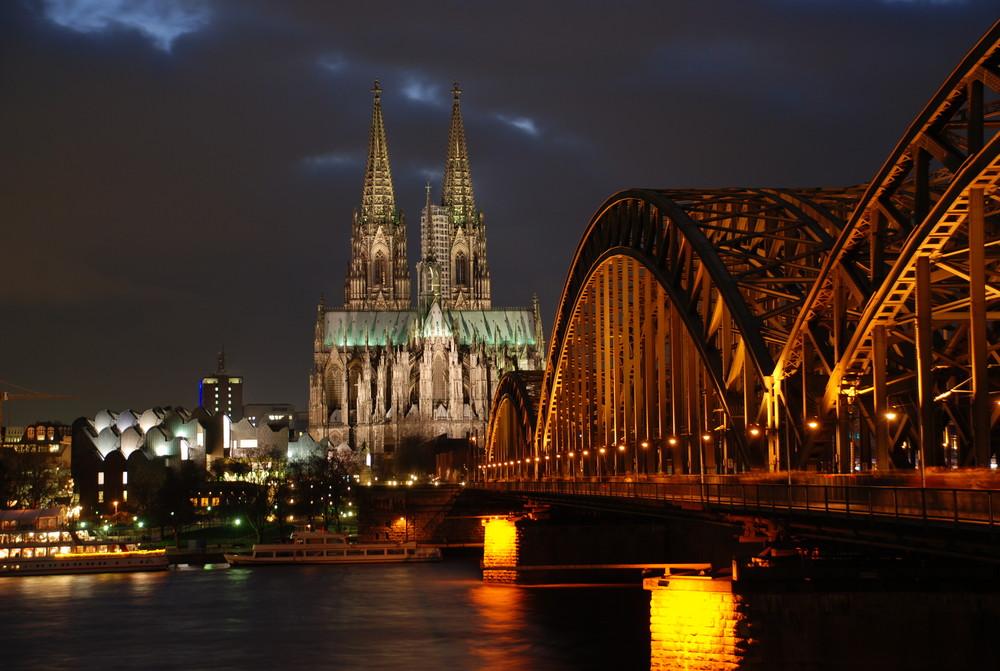 Der Kölner Dom im Dezember 2007