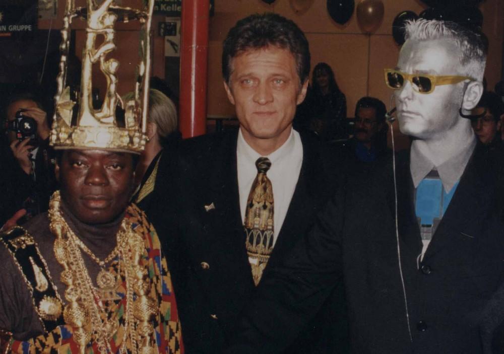 Der König von Hohoe Ghana und Klaus-Dieter Schmidt bei einer Benefiz Gala