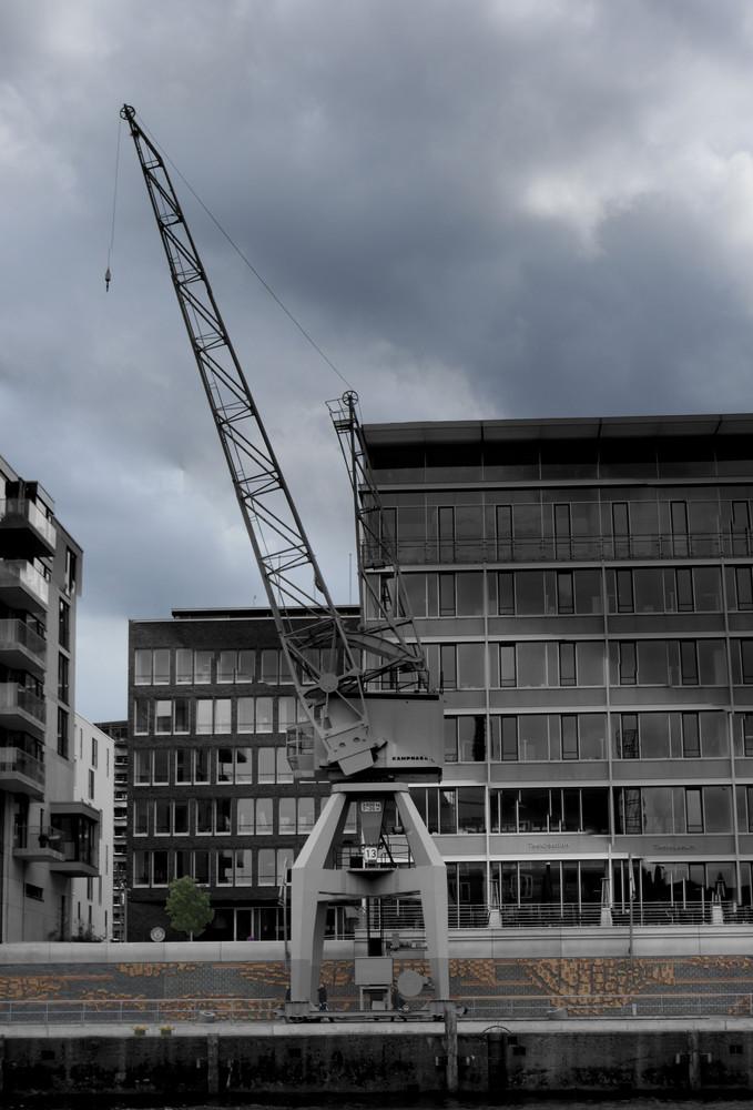 Der Krahn in der Hafenstadt