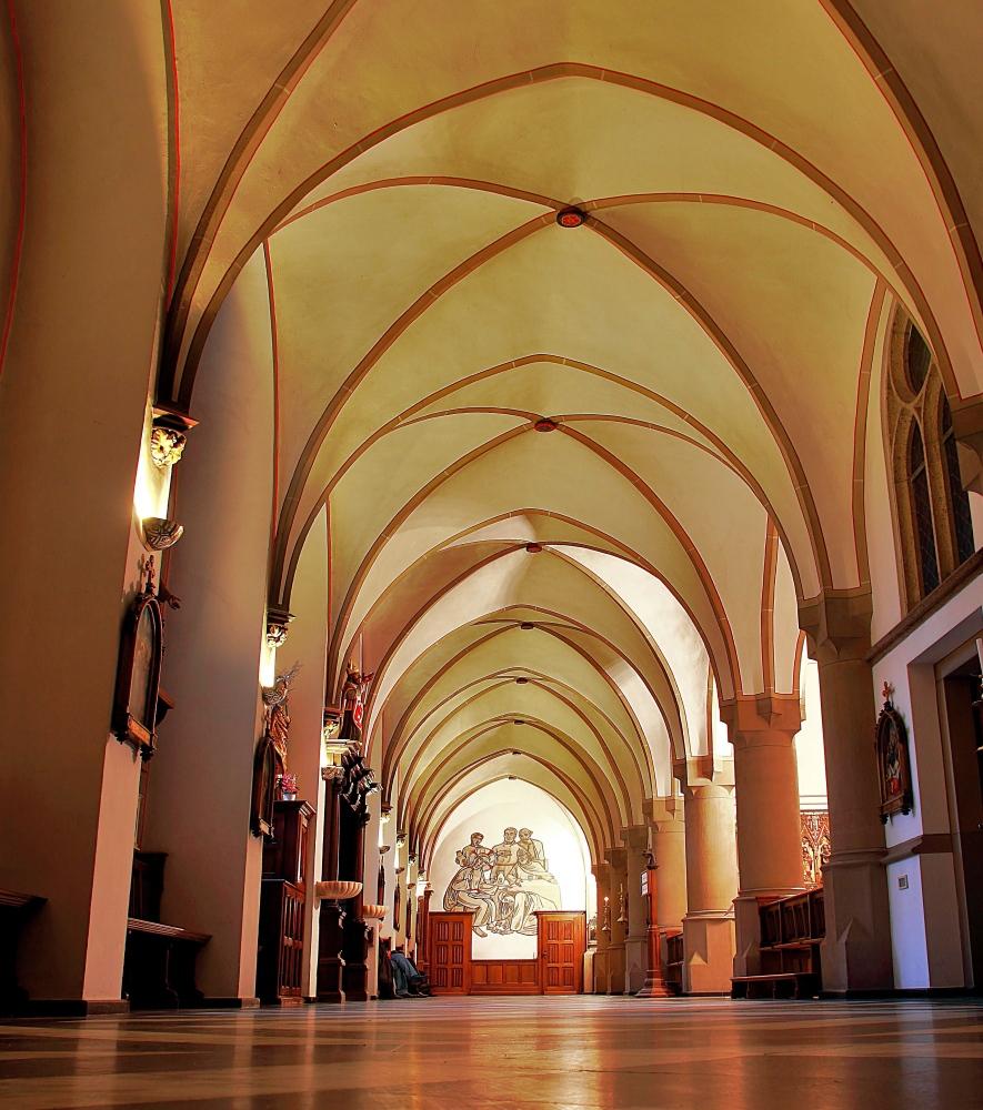 der Kreuzgang  der  Basilika in Kevelaer....