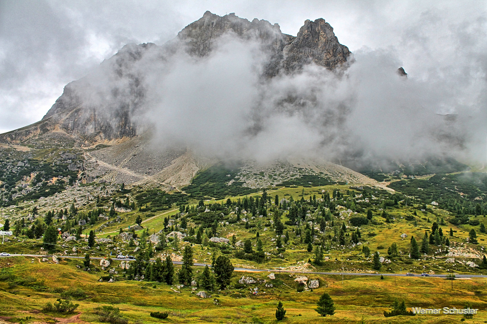 Der Langazuoi (2778m) am Falzarego Pass