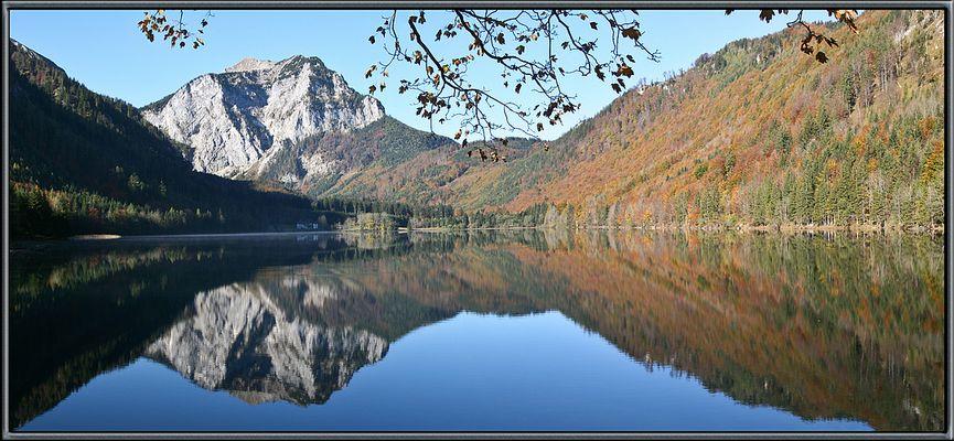 Der Langbadsee im Herbst