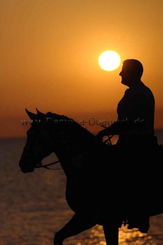 Der letzte Fotokurs in Malaga - Antonio im Sonnenaufgang von www.Ramona-Duenisch.de
