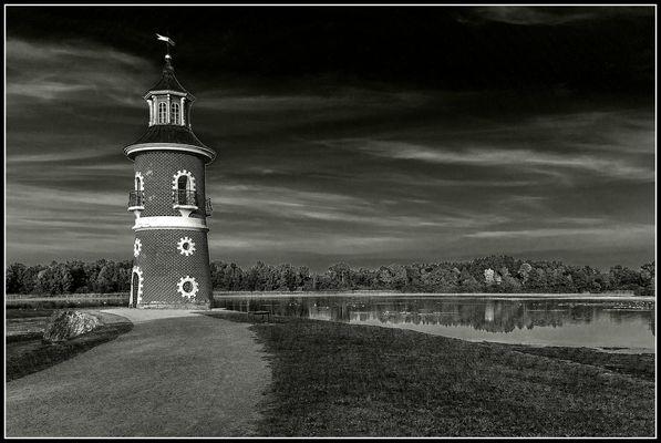 Der Leuchtturm am See.