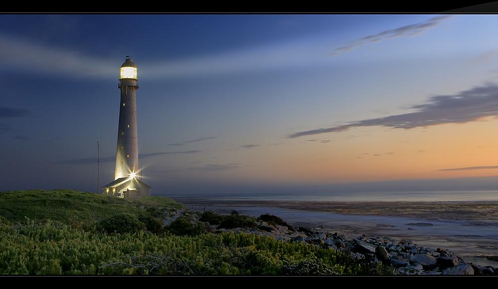 --Der Leuchtturm und das Meer--