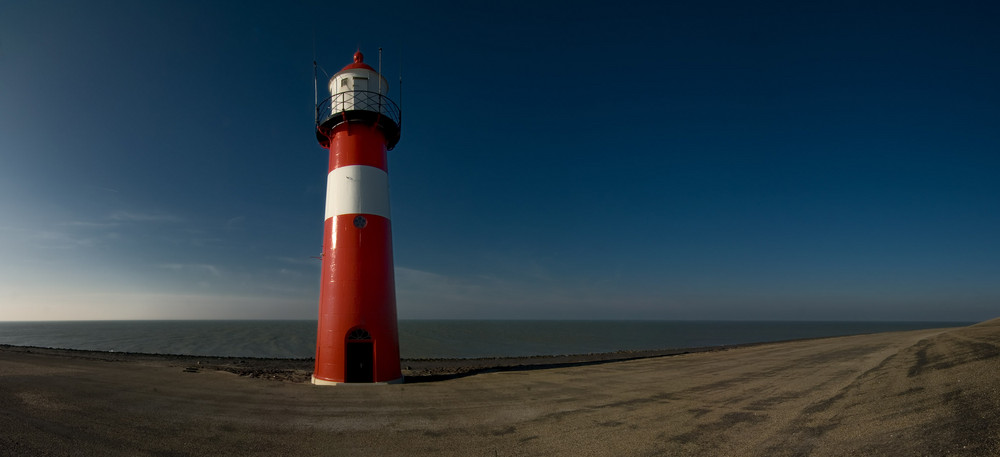 Der Leuchtturm zwischen Westkapelle und Domburg, NL
