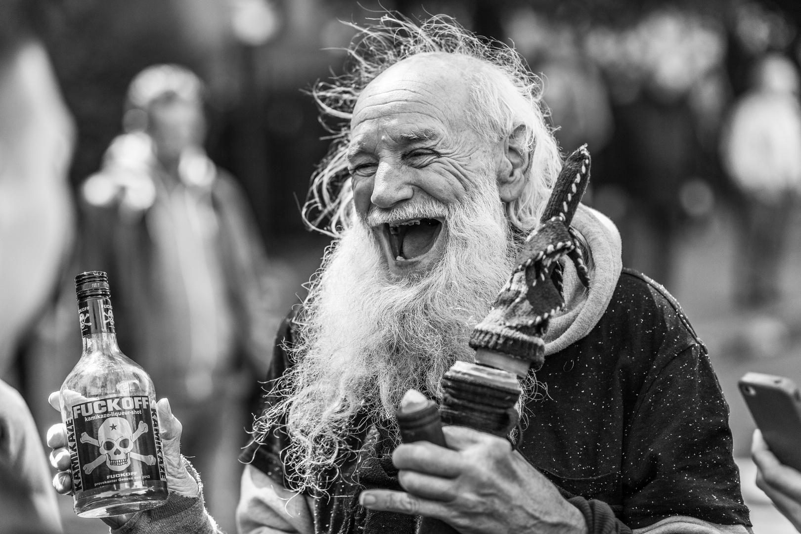 der lustige alte Mann Foto & Bild   streetfotografie
