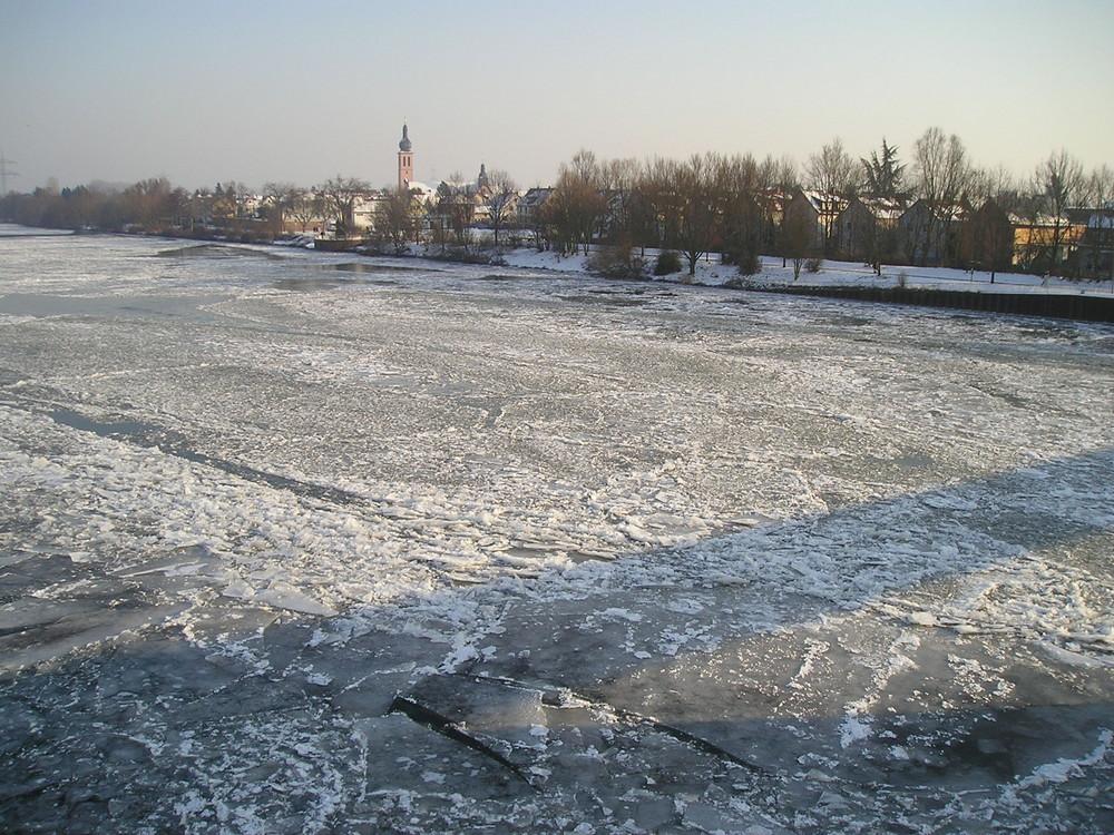 Der Main...tiefgefroren