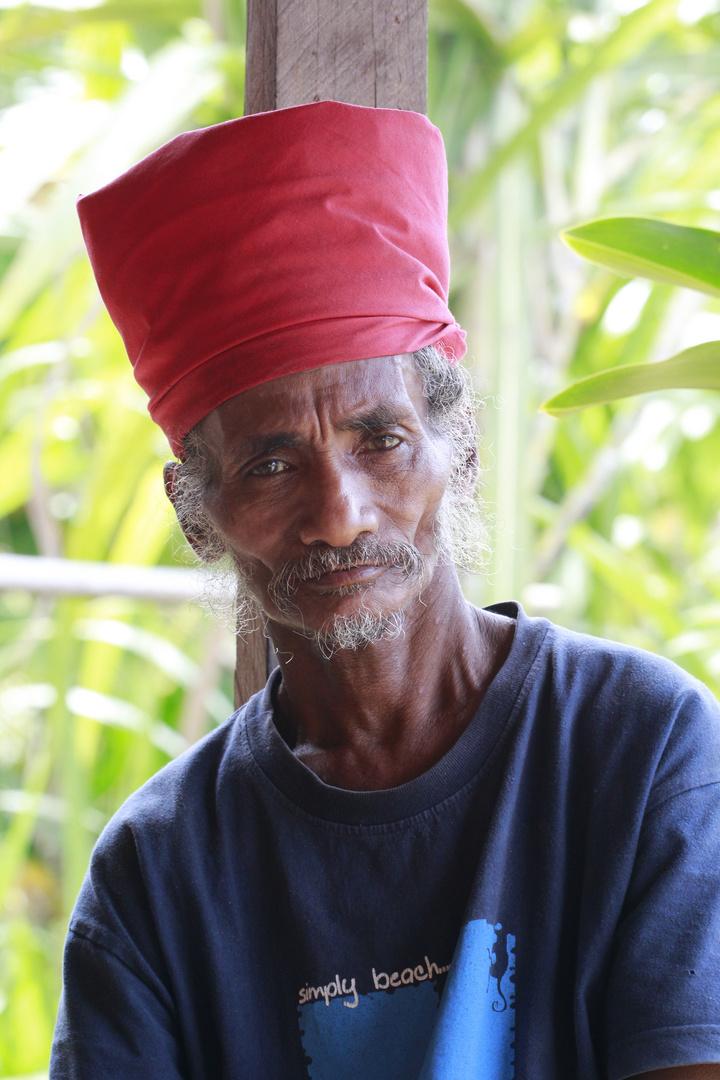 Der Man aus Huaulu Dorf - Insel Seram - Molukken - Indonesien