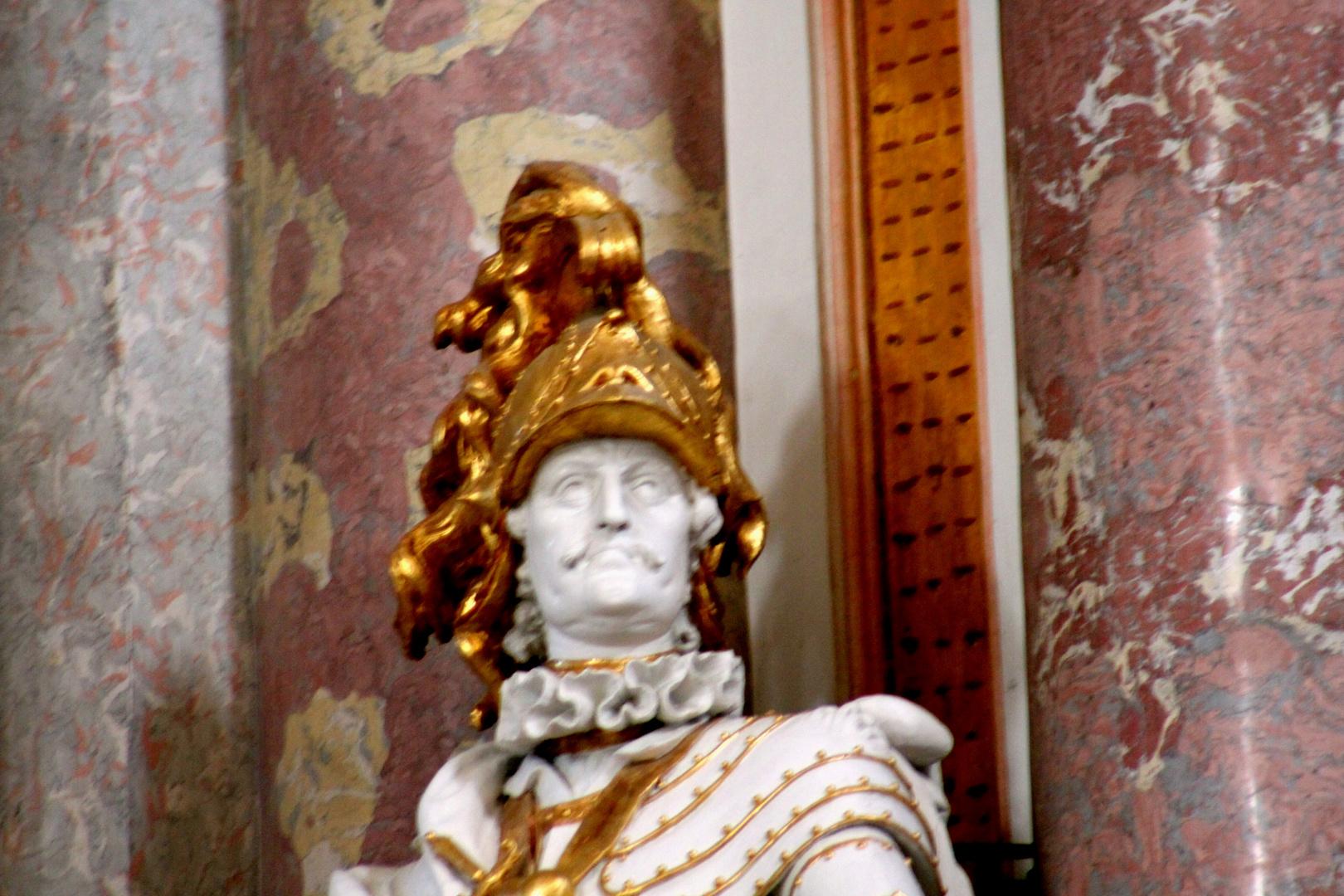 Der Mann mit dem Goldhelm - Guess Where
