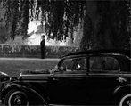 Der Mann und sein Benz II