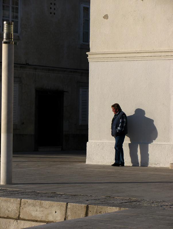 Der Mann und sein Schatten