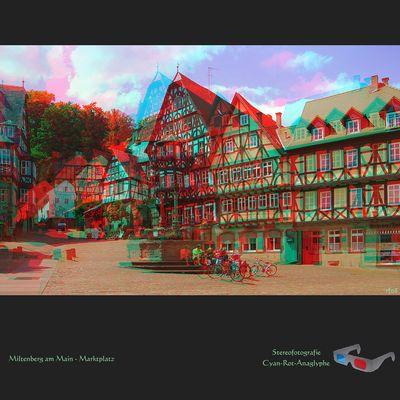 Der Marktplatz von Miltenberg / Main - Stereofoto als Rot-Cyan-Anaglyphe