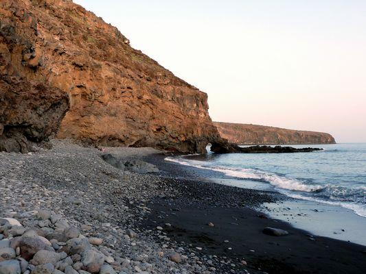 Der Mittlere Strand östlich von Santiago im Abendschein