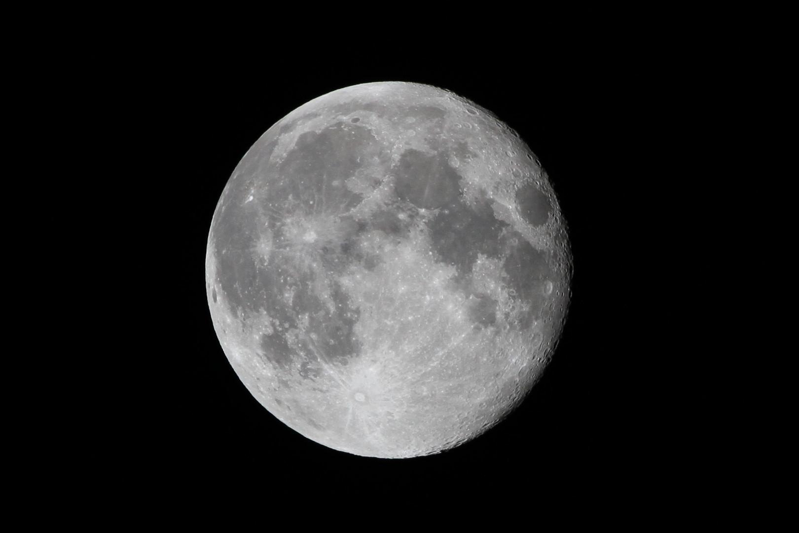 Der Mond 2