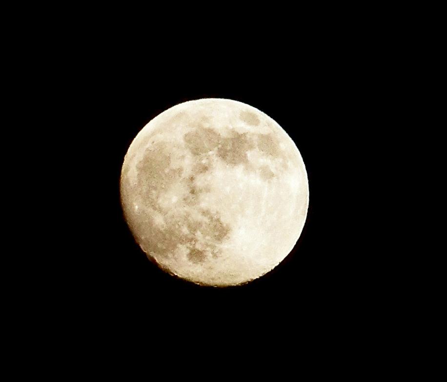 Der Mond ist auf gegangen