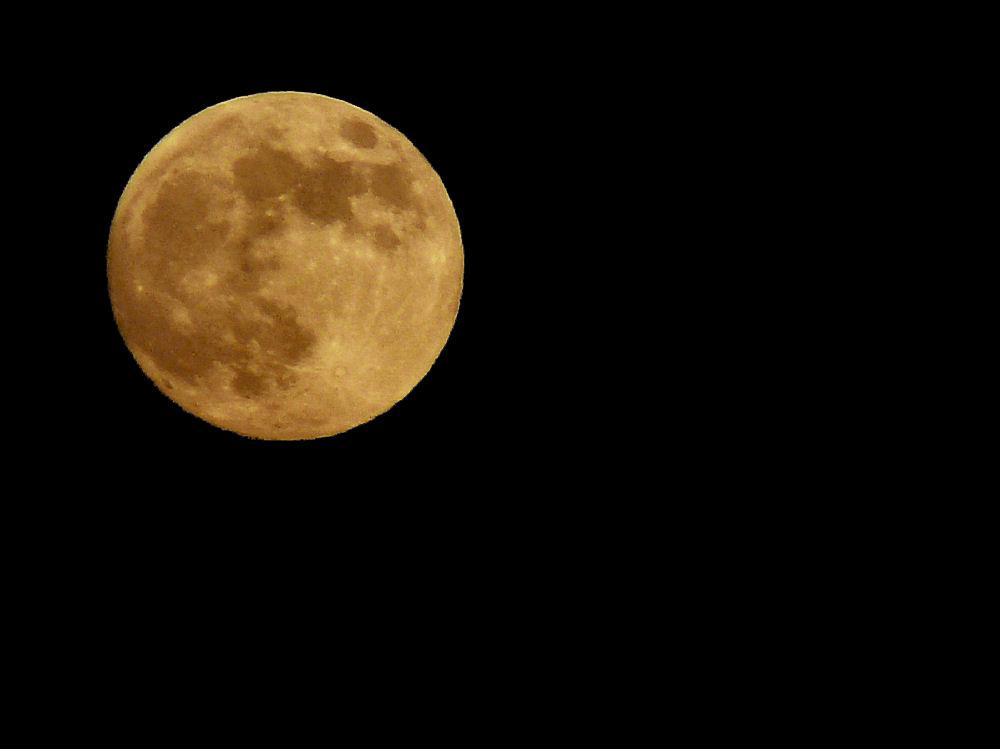 Der Mond ist eine Melone...