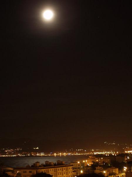 Der Mond über der Bucht von Palma