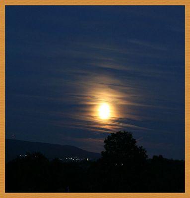 Der Mond über Koblenz