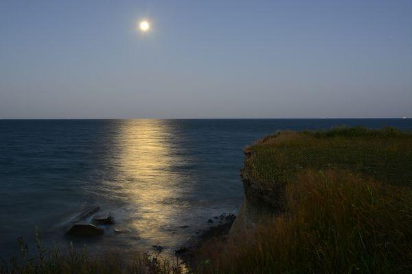 Der Mond und das Meer