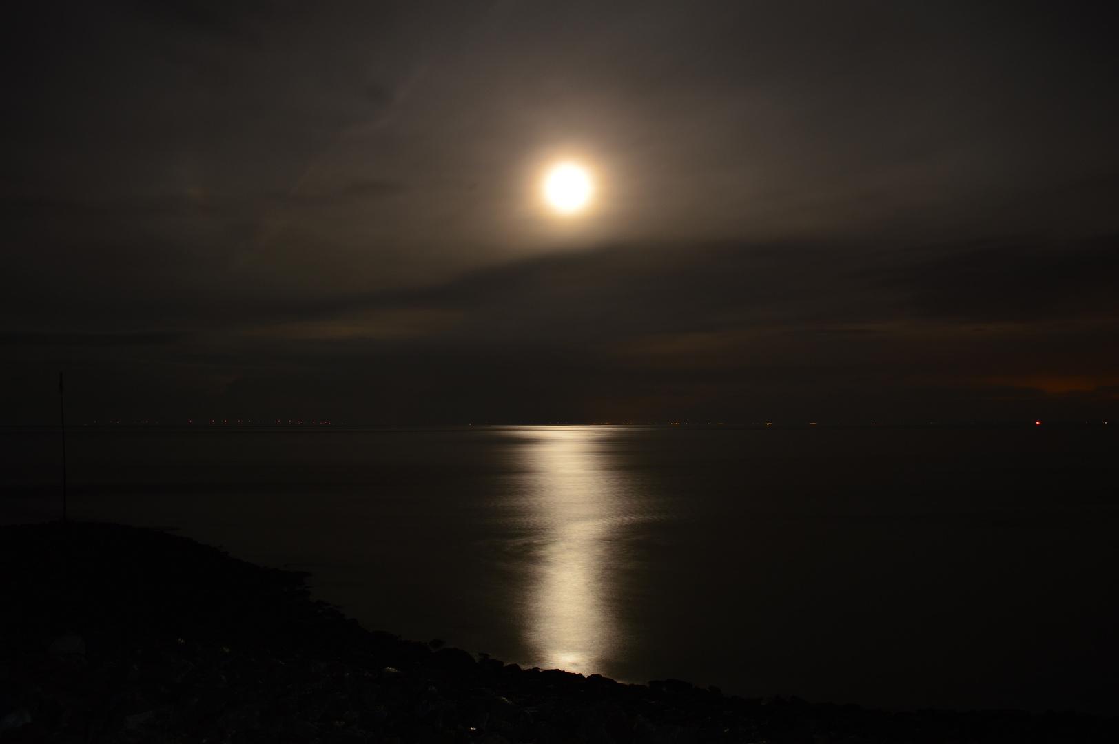 Der Mond und das Meer...