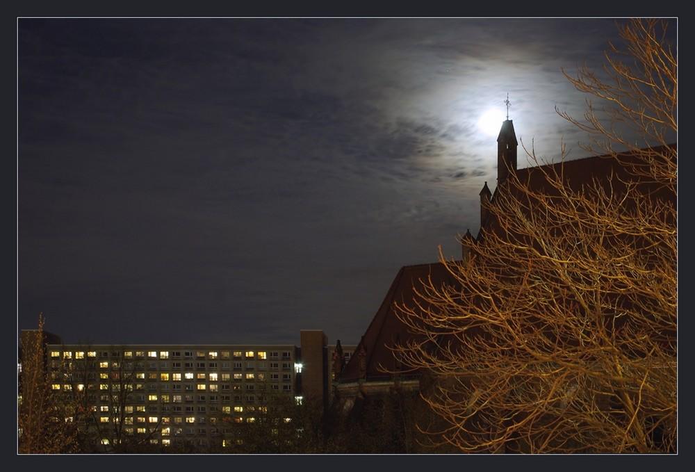 der Mond von gegenüber