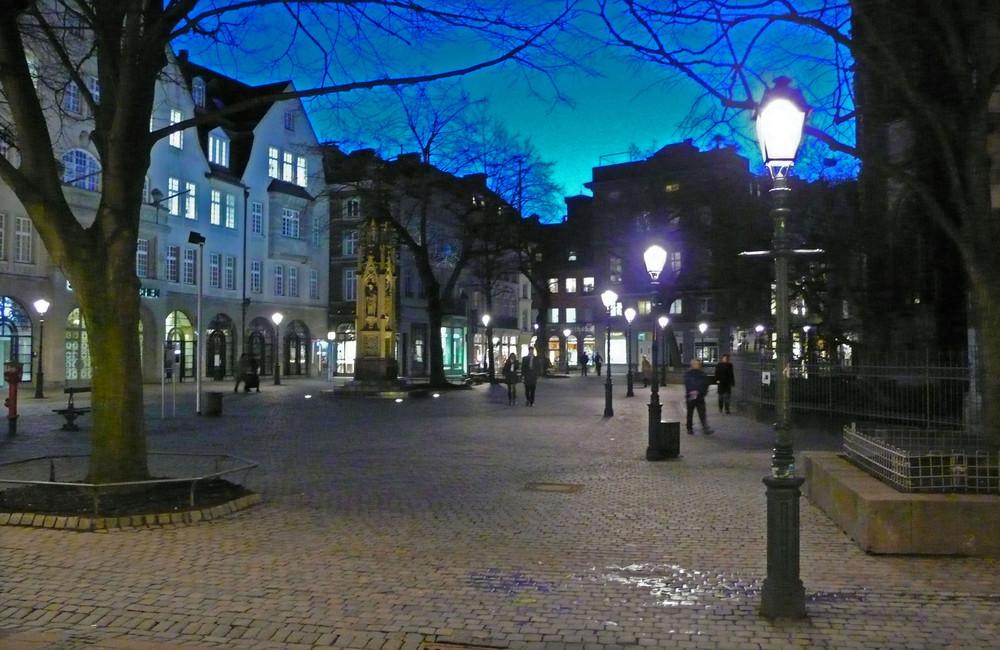 Der Münsterplatz an einem Januar-Abend
