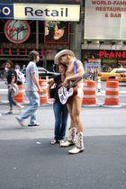 Der Nackte Musiker am Times Square