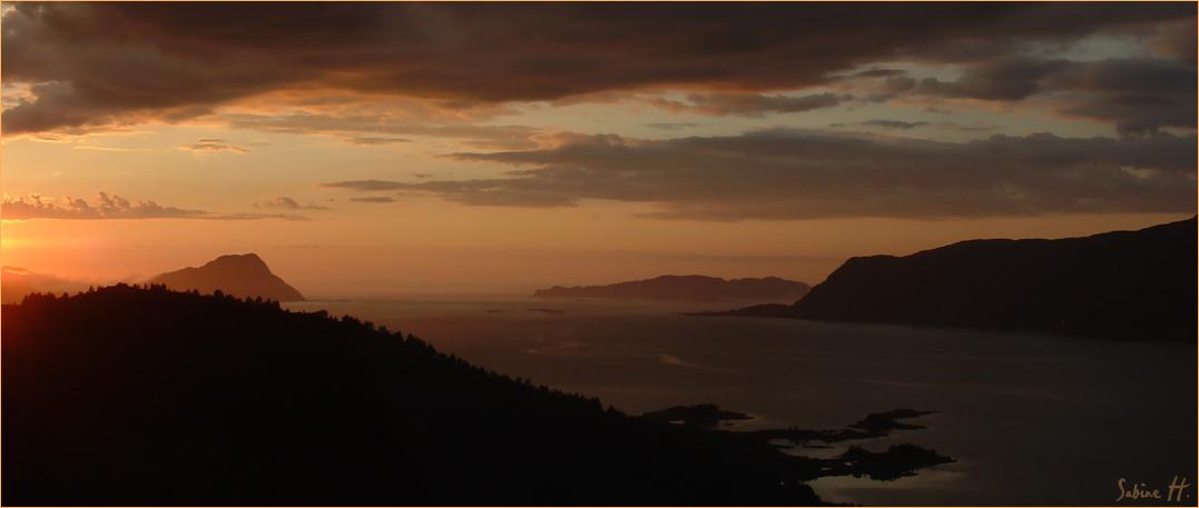 Der nächtliche Vanylvsfjord 01