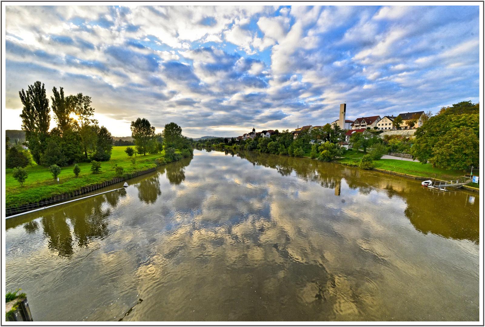 Der Neckar bei Jagstfeld