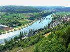 Der Neckar mit Schleuse
