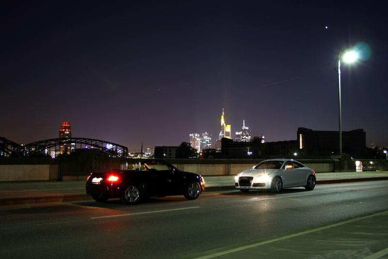 """Der """"neue"""" Audi TT gegen den """"alten"""" bei Nacht"""