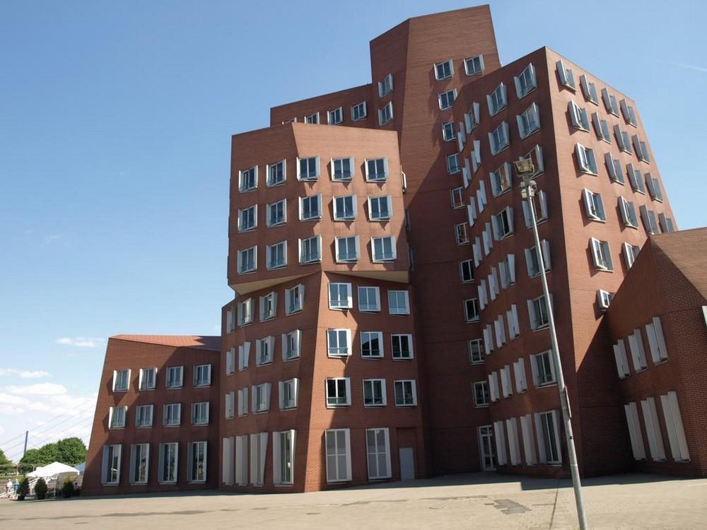 Der Neue Zollhof im Medienhafen Düsseldorf (building C)
