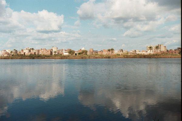 Der Nil am Ende seiner Reise durch Ägypten
