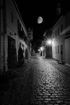 Der Nordmond geistert durch die Straßen (von Neuruppin)