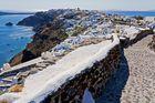 Der Nordzipfel Santorinis mit Blick auf Oia
