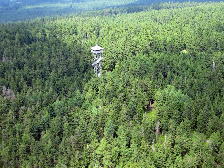 der oberpfalzturm auf der platte im steinwald foto bild deutschland europe bayern bilder. Black Bedroom Furniture Sets. Home Design Ideas