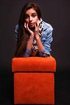 Der orange Hocker - 1 -