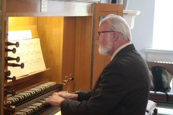 Der Organist...