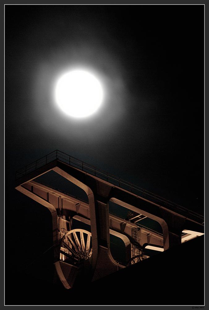 """Der """"Pott"""" im Mondlicht sw"""