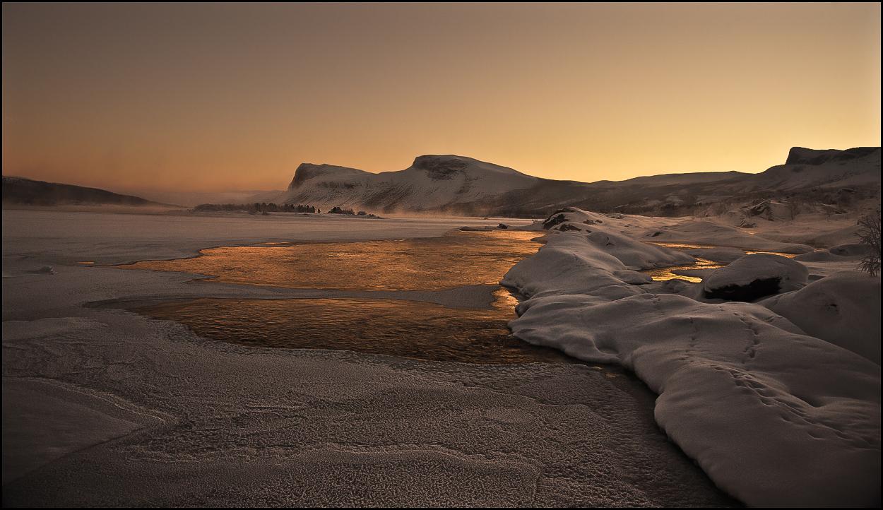 Der purpur goldene Fluss von Asgard ….