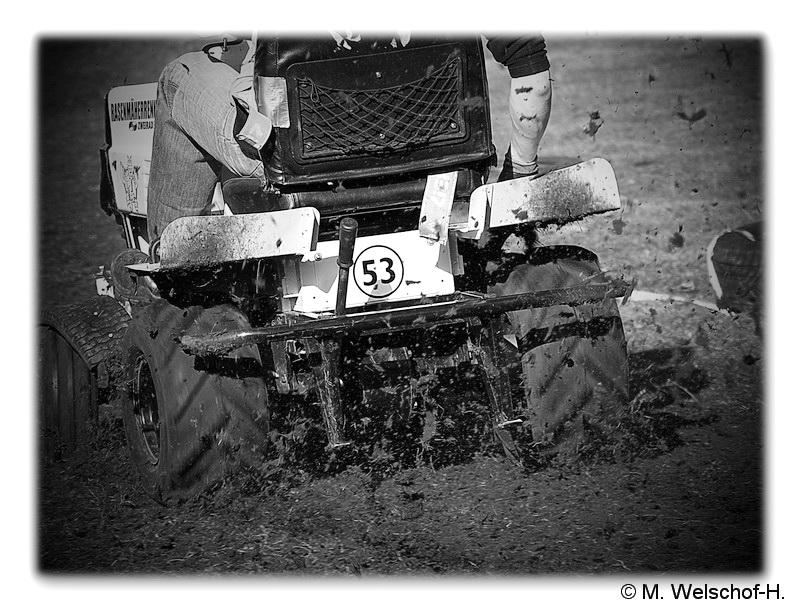 Der Rasenmäher heute mal im Rennen......