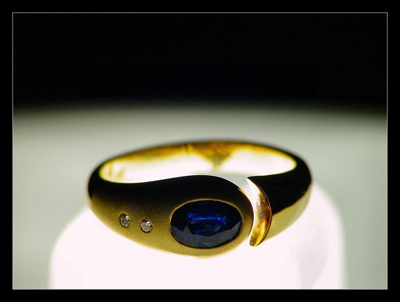 - Der Ring -