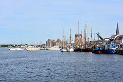 Der Rostocker Stadthafen zur Hanse Sail 2017
